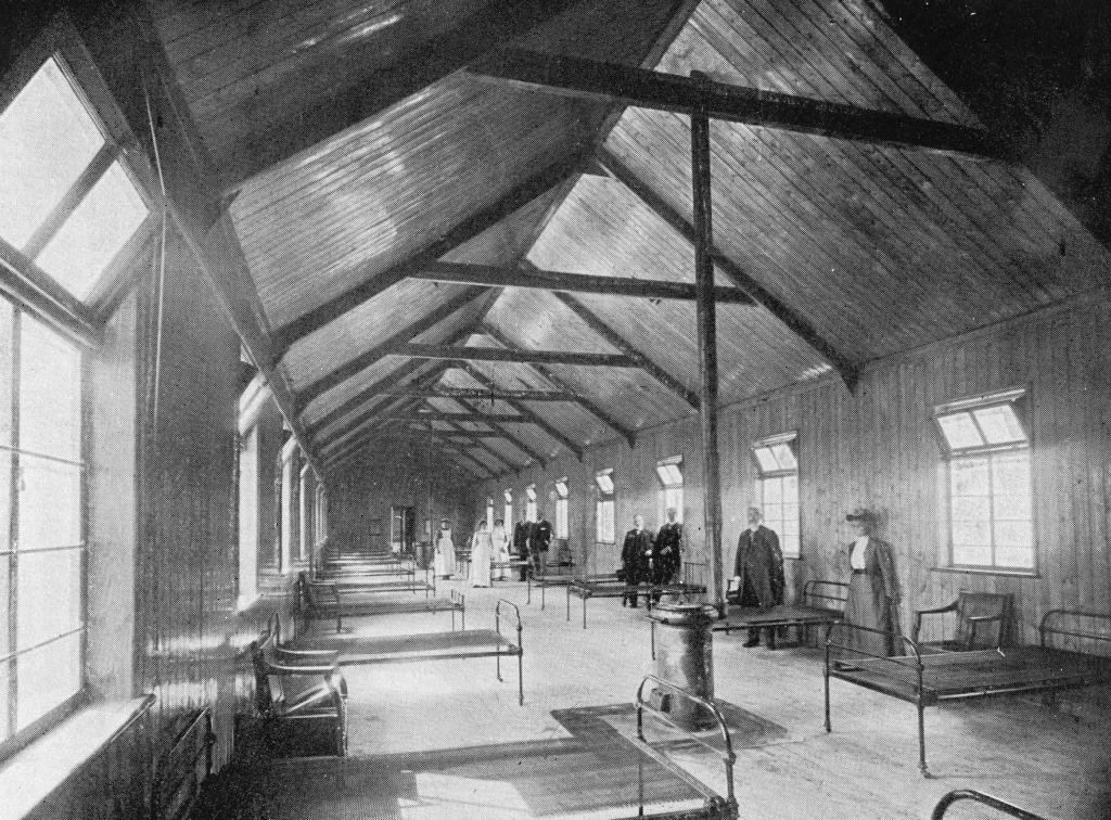 DD004 The Male Ward of the Smallpox Hospital, 1903