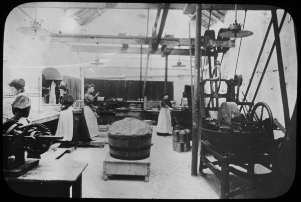 M12_S13 Women at work in a sausage factory, Ca 1900